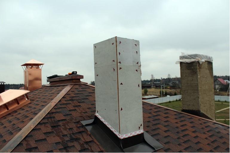 Короб для трубы дымохода на крыше