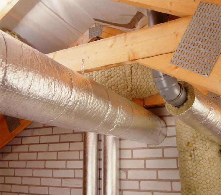 Конденсат в системе вентиляции на кухне